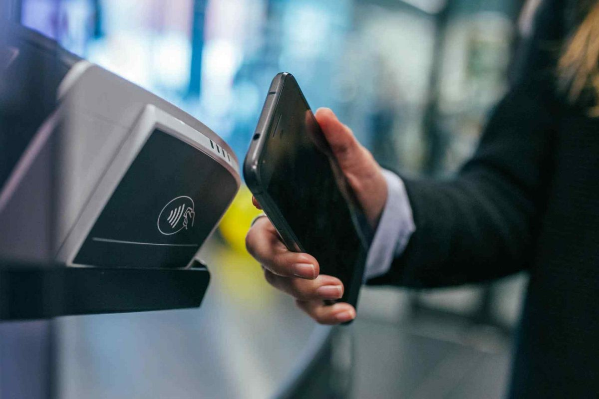 Spacer Exec: No One Will Use Cash in the Future